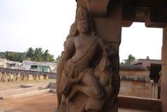 Estatuas las columnas de adornamiento Imagenes de archivo