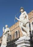 Estatuas venecianas del arsenal imágenes de archivo libres de regalías