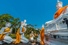 Estatuas Wat Yai Chai Mongkhon Ayutthaya Bangkok Tailandia de Buda Imagen de archivo