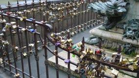 Estatuas y llave de la fila en Italia Fotografía de archivo