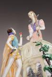 Estatueta da porcelana, presente, lembrança. Pares, amor Foto de Stock