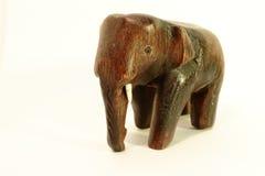 Estatueta do elefante no fundo branco fotografia de stock royalty free