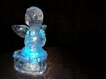Estatueta translúcida do anjo imagens de stock royalty free