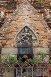 Estatuetas de pedra dos deuses, na torre principal fotografia de stock