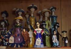 Estatuetas mexicanas com crânios Fotos de Stock