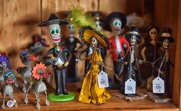 Estatuetas mexicanas com crânios Fotografia de Stock Royalty Free