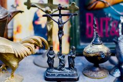 Estatuetas religiosas do metal imagens de stock royalty free