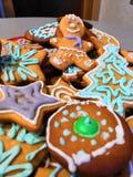 Estatuilla colorida del hombre de pan de jengibre imagen de archivo libre de regalías