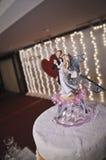 Estatuilla de la torta de boda Imagen de archivo