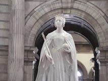 Estatura de mármore branca velha de surpresa da escultura imagem de stock