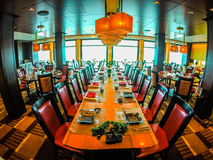 Estaurant na pokładzie statku wycieczkowego przygotowywającego dla gościa restauracji Zdjęcia Stock