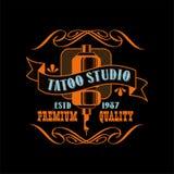 Estd de la meilleure qualité 1987, rétro emblème dénommé de qualité de conception de logo de studio de tatouage avec avec le vect illustration libre de droits