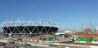 Estádio olímpico e Anish Kapoor |Torre da órbita Fotos de Stock Royalty Free