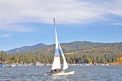 Navigação do catamarã Fotos de Stock Royalty Free