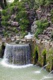 Este16th--centuryspringbrunn för villa D 'och trädgård, Tivoli, Italien Lokal för Unesco-världsarv arkivbild