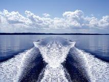 Estela del barco Fotos de archivo libres de regalías