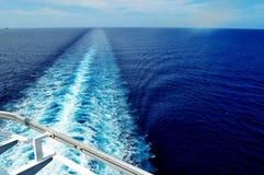 Estela del barco de cruceros Fotografía de archivo libre de regalías