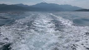 Estela del barco de la velocidad