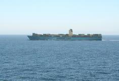 Estelle Maersk i Atlanten Arkivbild