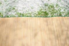Estera de bambú en la playa Foto de archivo libre de regalías