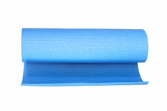Estera de la yoga aislada en blanco Imagen de archivo libre de regalías
