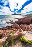 Esterel断层块法国里维埃拉,法国红色岩石  库存照片