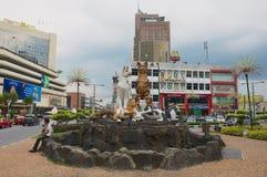 Esterno del monumento dei gatti in Kuching del centro, Malesia immagini stock