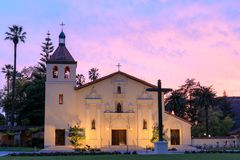 Esterno della chiesa della missione Santa Clara de Asis Immagini Stock