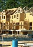 Esterno della costruzione della costruzione degli alloggi nuovi Immagine Stock