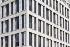 Esterno della costruzione di appartamento - facciata della casa Immagine Stock Libera da Diritti