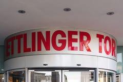 Esterno di Karlsruhe Ettlinger Tor Shopping Center Letters Closeup Immagini Stock Libere da Diritti