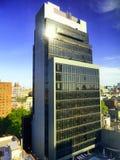 Esterno di vetro degli edifici per uffici di New York City Fotografie Stock Libere da Diritti