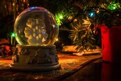 Estetica perfetta del globo della neve di Natale Immagini Stock