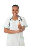 Estetoscopio del negro de la enfermera del doctor del afroamericano Foto de archivo