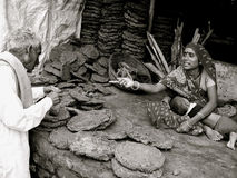 Estiércol la apelmazar-India Fotografía de archivo
