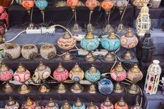 Estilo árabe de las lámparas coloridas hermosas del adornamiento Fotos de archivo libres de regalías