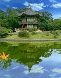 Reflexões coreanas do palácio imagem de stock