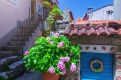 Estilo arquitetónico mediterrâneo europeu tradicional no st Imagens de Stock Royalty Free