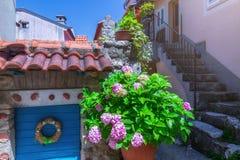 Estilo arquitetónico mediterrâneo europeu tradicional no st Fotos de Stock