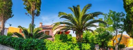 Estilo arquitetónico mediterrâneo europeu tradicional o stree Foto de Stock Royalty Free