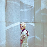 Estilo bonito da menina urbano Fotografia de Stock