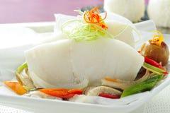 Estilo chinês cozinhado dos peixes Fotografia de Stock