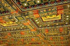 Estilo chino del techo del templo fotos de archivo