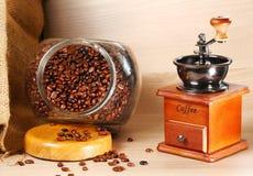 Estilo clásico de la amoladora de café Foto de archivo