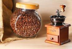 Estilo clásico de la amoladora de café Fotografía de archivo