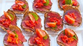 Estilo de abastecimiento de la comida fría con diverso bocado ligero Foto de archivo