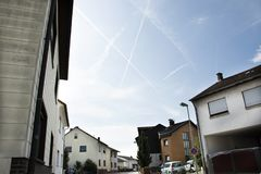Estilo de construção clássico do vintage no distrito e na vila de Sandhausen em Heidelberg, Alemanha imagem de stock