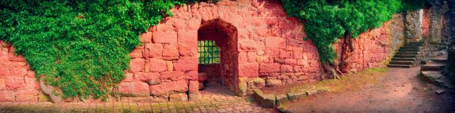 Estilo de HDR do ruine do castelo de Zavelstein Imagem de Stock Royalty Free