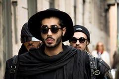 Estilo de la calle: Milan Fashion Week Autumn /Winter 2015-16 Foto de archivo libre de regalías