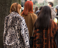 Estilo de la calle: Milan Fashion Week Autumn /Winter 2015-16 Fotos de archivo